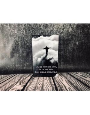 Tabuľka - Boh sa neobáva toho ...